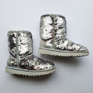 Ugg kids sequin classic short boot